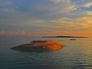 バラス島の美しいサンセット