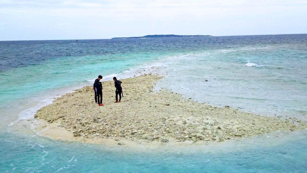 透明度の高い西表島のバラス島